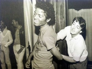 Michael-Jackson-and-Paul-McCartney-fooling-around