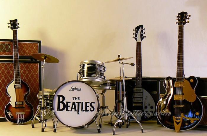 Legendary Mini Guitars